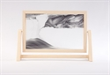 Obrazek W-022: Obrazek piaskowy oprawiony w ramę drewnianą (19x30 cm)